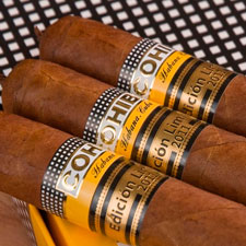 The Cuban Cohiba 1966 measures 6 1/2 inches long by 52 ring gauge and has a pigtail cap.