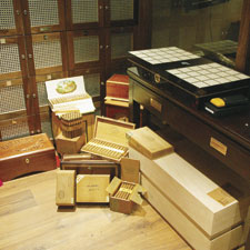 London's La Casa del Habano possesses the practially unattainable original black Cohiba Behike humidor.