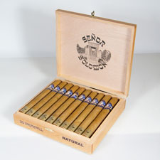 Señor Solomon cigars come in two versions: Natural (pictured) and Maduro.